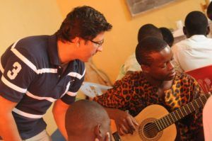 Gitarren spielen lernen
