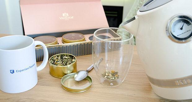 VAHDAM Sortiertes 3 Tee-Geschenkset im Test - zwei unglaublich schmackhafte Chai-Tees und ein entgiftender grüner Tee, beladen mit verehrten Kräutern und Gewürzen - Ein Trio, das Liebe und Zusammengehörigkeit buchstabiert
