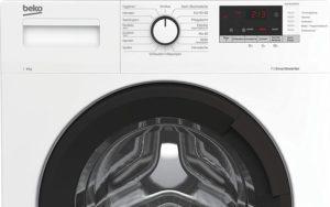 Zwar ist eine Waschmaschine groß und nimmt viel Platz ein. Jedoch kann sie auch platzsparend in der Küche oder dem Bad eingebaut werden.